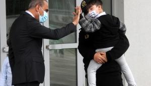 Engellilerden polise Atatürk resmi ve şiir sürprizi