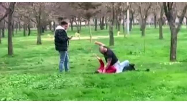 Hem dövdüler hem de kameraya çektiler