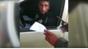 Polis, korsan taksiciyi yakaladı