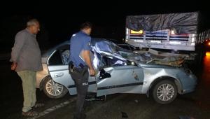 Otomobil ile tırın çarpıştı:1 kişi öldü