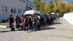 48 düzensiz göçmen yakalandı