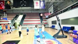 Büyükşehir geleceğin basketbolcularını seçiyor
