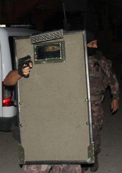 750 Polisle 136 Adrese İnfaz Operasyonu