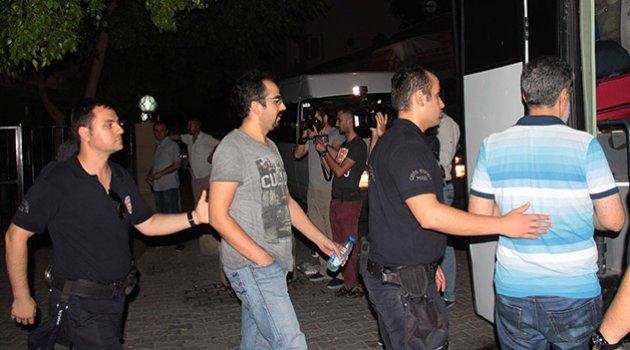 Adana'da 43 polis daha tutuklandı