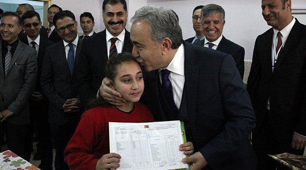 Adana'da 473 bin 650 öğrenci karne aldı