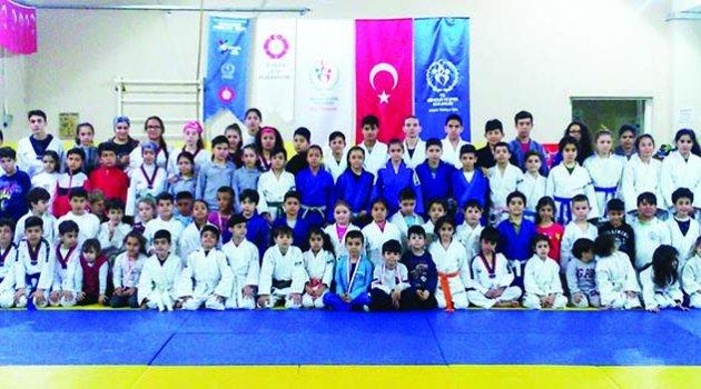 Adana'da judoyu  sevdiren hoca YUSUF UNCULAR