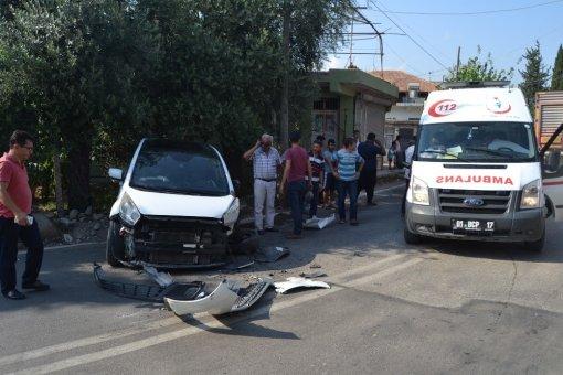 Adana'da Otomobil Tır İle Çarpıştı: 1 Yaralı