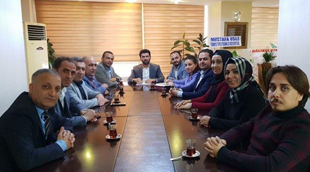 AK Parti Seyhan'da yürütme kurulu üyeleri belirlendi