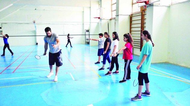 Badminton İl Spor Merkezi kursları sürüyor