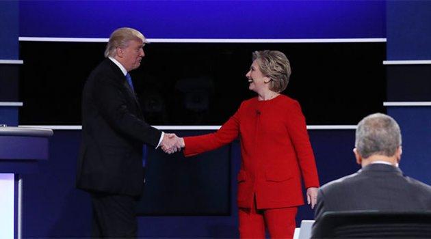 Clinton ve Trump, televizyon düellosunda kozlarını paylaştı