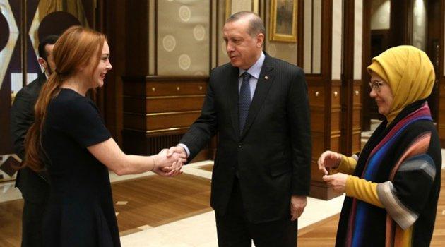 Erdoğan, ABD'li ünlü oyuncu Lindsay Lohan'ı kabul etti