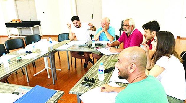 'Fareler ve İnsanlar' 33 yıl sonra Adanalılarla buluşuyor