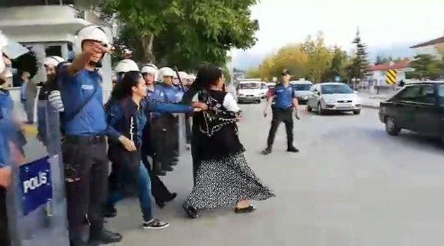 Hasta yakınları ile polis arasında kavga! 3'ü polis 6 yaralı