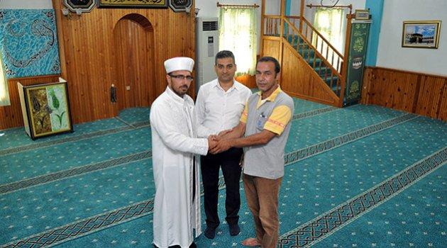 İmamla tartıştı, camiye halı bağışıyla cezadan kurtuldu