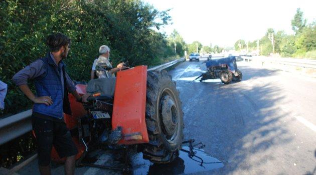 Kaza sonucu traktör ikiye ayrıldı