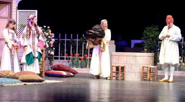 Adana Devlet Tiyatrosu Kasım ayında dört oyunla perde açıyor