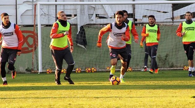 Adanaspor'da Medipol Başakşehir Maçı Hazırlıkları Sürüyor