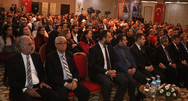 Ak Parti genel Başkan yardımcısı ve seçim işleri Başkanı Mustafa Şentop