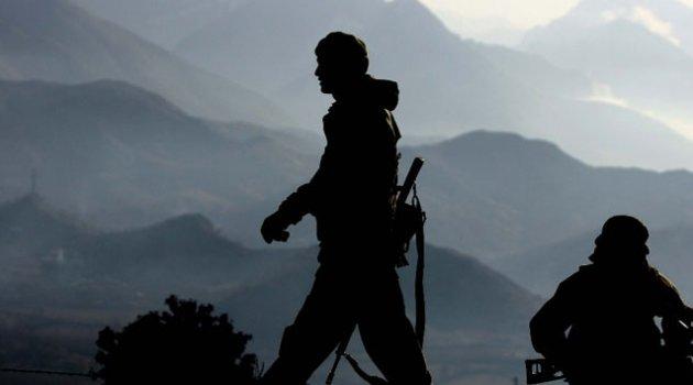 Askeri üs bölgelerine taciz ateşi
