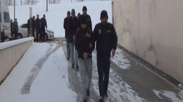 DEAŞ bombacısı 3 şahıs yakalandı