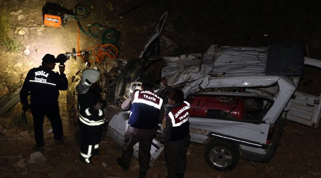 Ehliyetsiz sürücünün yaptığı kazada 2 ölü, 2 yaralı var!