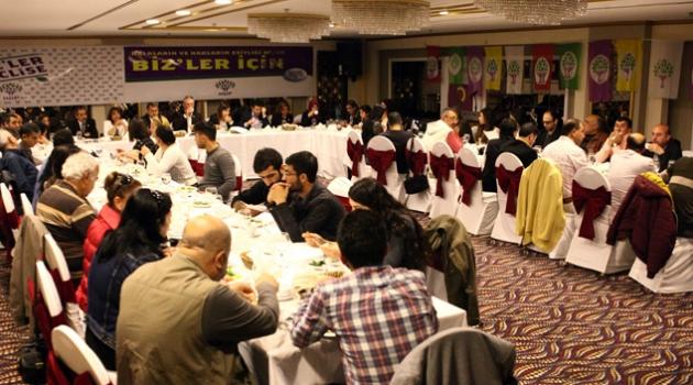 HDP Adana adaylarını basına tanıttı
