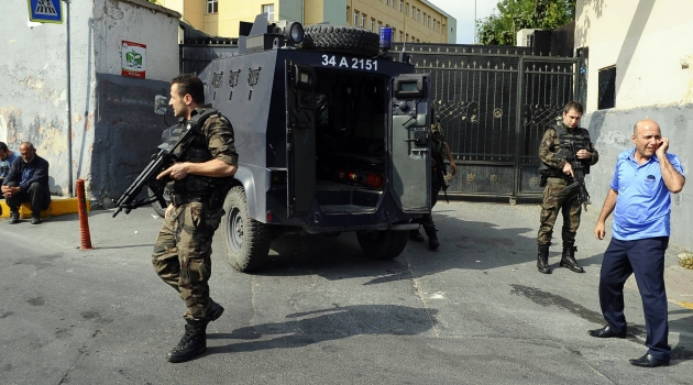Polise silahlı saldırı !