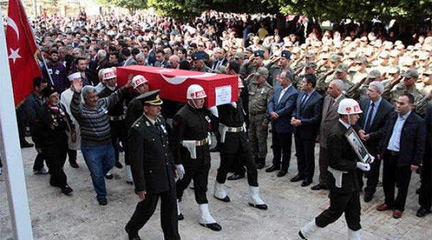 Şehit Uzman Çavuş Sercan Yılmaz toprağa verildi