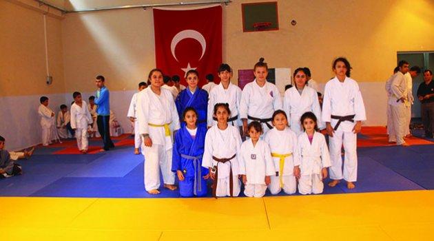 Okullar kapandı judo başladı