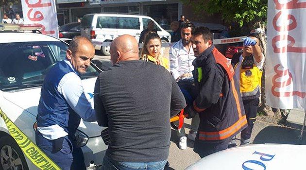 Otomobil kaldırımdaki yayalara çarptı! 2 ölü 5 yaralı