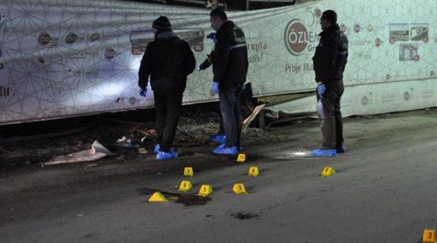 Sokak ortasında gence kurşun yağdırıp öldürdüler