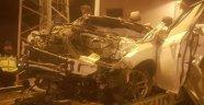 Binanın garajına uçan otomobil dehşet saçtı! 3 ölü
