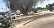 LPG'li otomobil akaryakıt istasyonu önünde alev topuna döndü