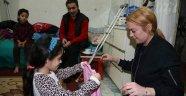 Ünlü Hollywood starı Lindsay Lohan Sultanbeyli'de Suriyeli aileyi ziyaret etti