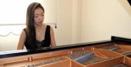 Piyanist Japon Gelin Hiroko Konser Vermeye Hazırlanıyor