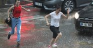 Adanalılar yağmura hazırlıksız yakalandı