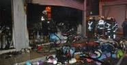 Adana'da 3 katlı iş yeri yandı