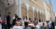 Adana Merkez Camide Canlı Bomba Paniği