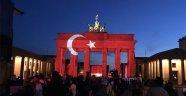 Almanlar ay yıldızla terörü kınadı