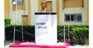 Atatürk büstü koruma altında