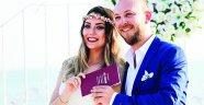 Burcu ile Bora'dan dillere destan düğün