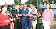Çetin'den futbol sahası ve park açılışı