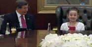 Davutoğlu koltuğunu devretti