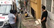 Genç kız 6. kattan beton zemine düştü