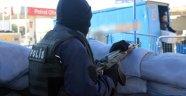 Güvenlik güçlerine saldırı: 3 polis yaralı