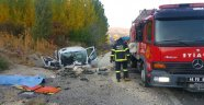 İşçileri taşıyan kamyon devrildi! Ölü ve yaralılar var