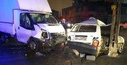 Otomobil ile kamyonet çarpıştı!  4'ü ağır 7 yaralı