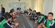 Spor İl Müdürü Ataşbak, Adana Suriye Futbol Takımını kabul etti