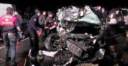Virajı alamayan otomobil tarlaya uçtu! 1 ölü 4 yaralı