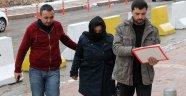 Yakalanması için ödül konulan dolandırıcı kadın yakalandı